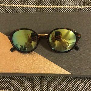 Accessories - Round Sunglasses